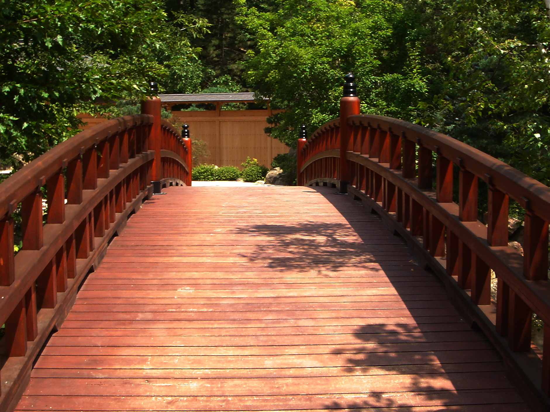 Road trip to the anderson japanese gardens in rockford il for Japanese garden bridge